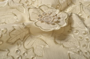 Broderie anglaise fantaisie